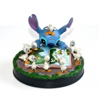 Disney Stitch whit Ducklings Medium Figure