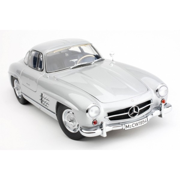 1:12 Mercedes-Benz 300 SL Gullwing Diecast Model (Dealer Box)