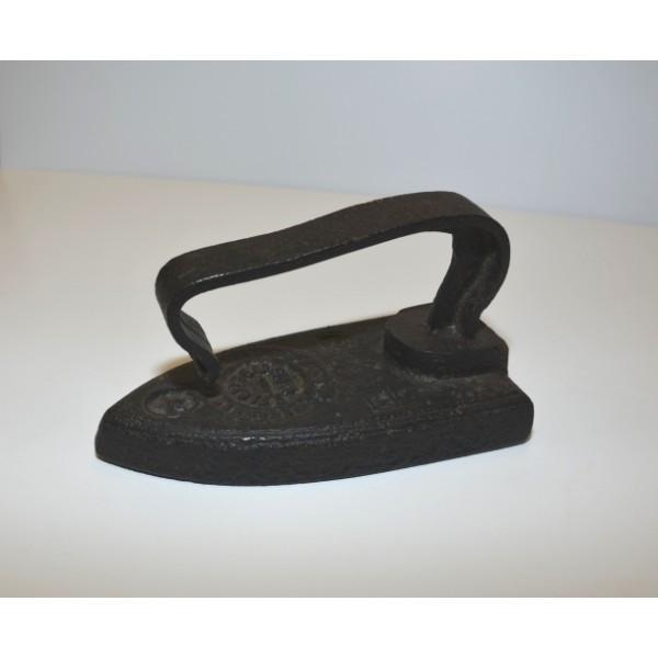 Vintage cast iron flat iron
