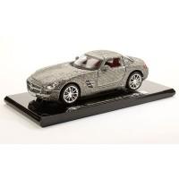 1:18 Maisto Crystal Mercedes Benz SLS Gullwing (Original Mercedes-Benz box)